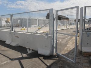 Chantier à Saint Denis, portillon contrôle d'accès