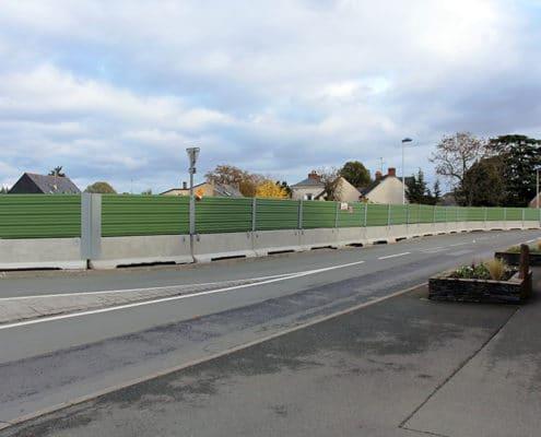 Barrière de sécurité KLOSTAB - Clôture d'un chantier en bardage tôle vu de la rue secteur Angers (49)