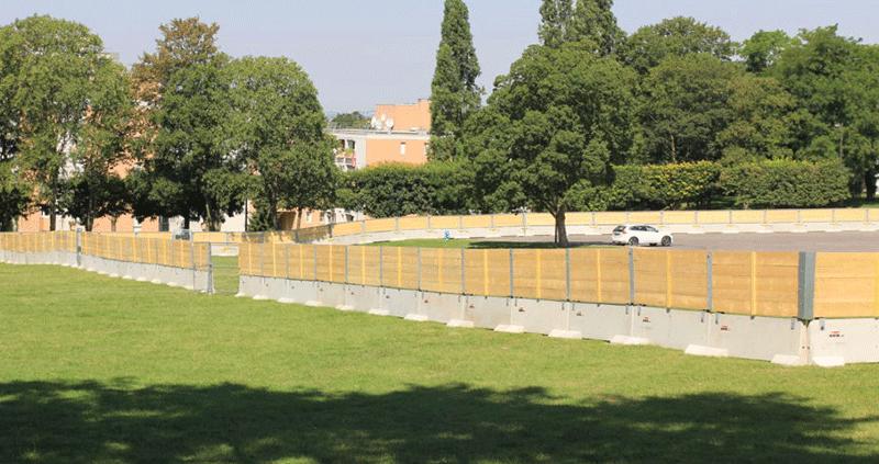 KLOSTAB - Réalisation d'une enceinte sécurisée à l'occasion de Clichy Plage, côté parc gauche