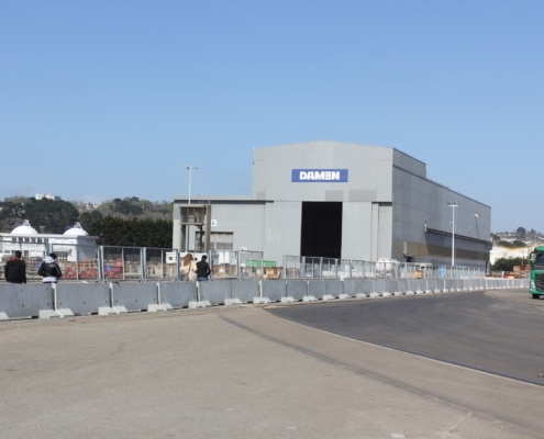 Création d'un couloir afin de canaliser des personnels sur le Port de Brest